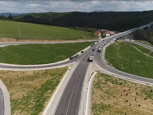 С новия обходен път на Габрово преминаването на Балкана се