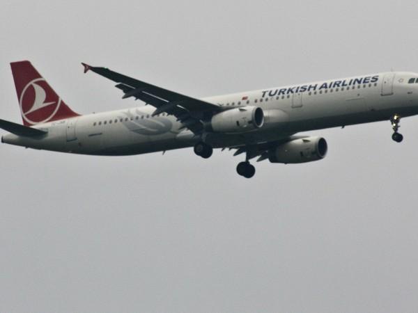 Турция подновявя полетите си до България от 10 юни, съобщи