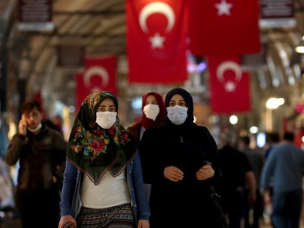 В Турция влиза в сила нова забрана за излизане от