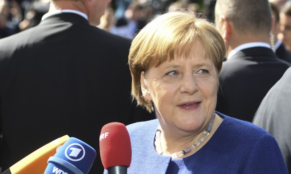 Меркел: Времената не са нормални и трябват необикновени мерки