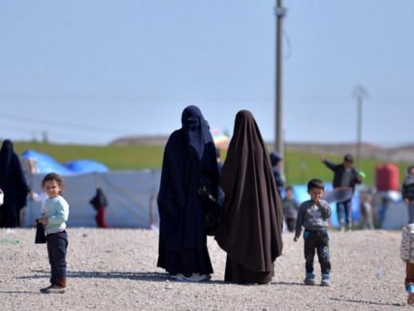 """Бежанският лагер """"Ал Хол"""" в североизточна Сирия е залят от"""