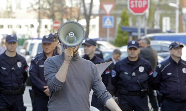 Срещу расизма, 5G, Алепу - три протеста в София