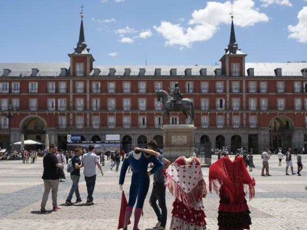 Испания реши да отвори нощните клубове в някои региони на