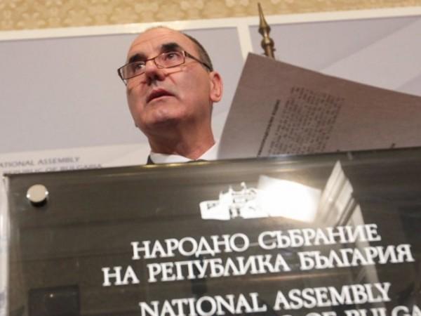 До два-три месеца бившият председател на парламентарната група на ГЕРБ