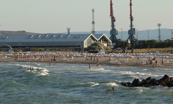 ДАЗД се самосезира за удавените две деца в Бургас