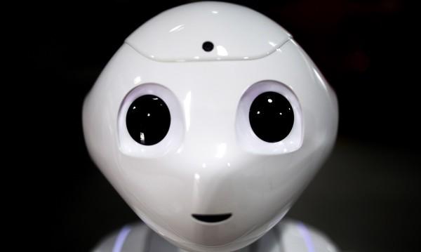 Роботите на Майкрософт не можаха да сменят журналистите