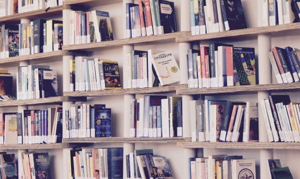Не купуваме книги в кризата, спад на продажбите със 70%