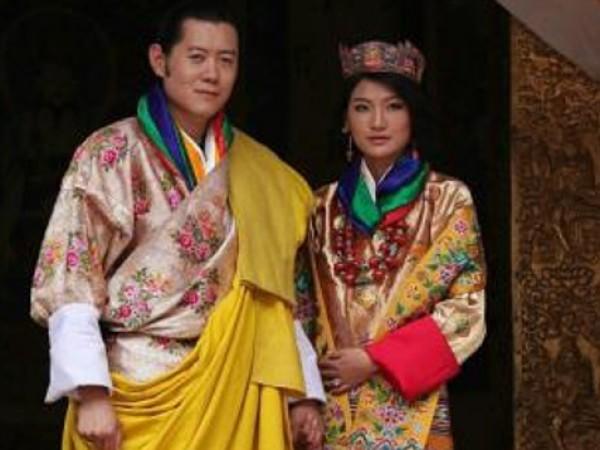 Тя притежава екзотична красота. Израснала в обикновено семейство в Бутан,