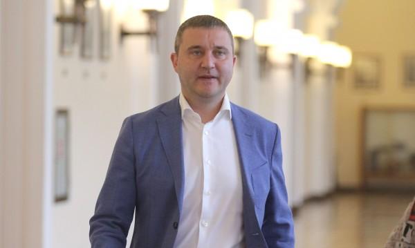 Министри увериха: Няма държавна помощ за ПИБ