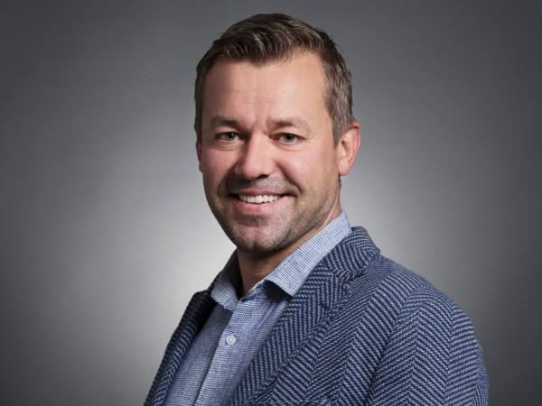 Милен Иванов е изпълнителен директор на СЕО Angels Club. През