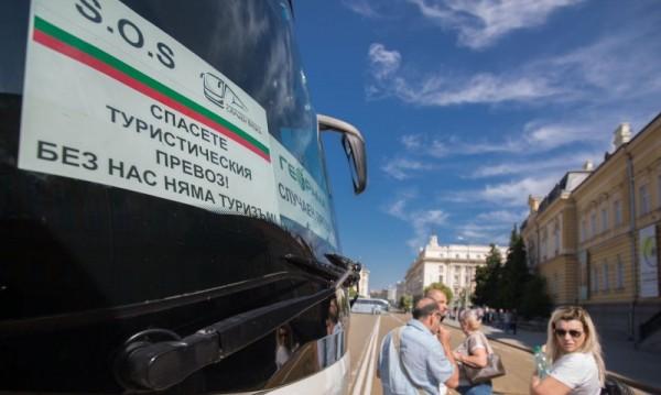 Кризата в автобусните превози кратка, но последиците ще са за дълго