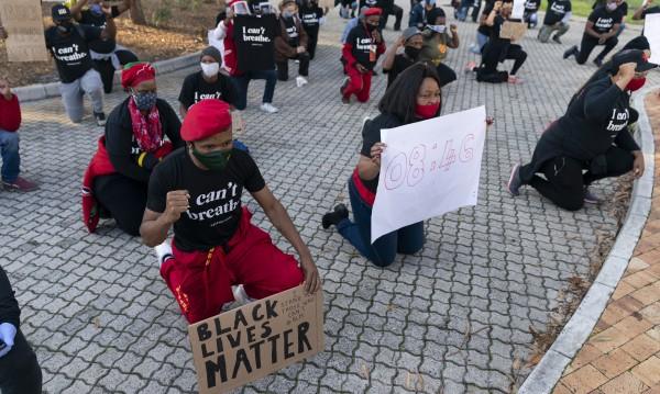 Полицията в Кейптаун предотврати демонтирането на паметник