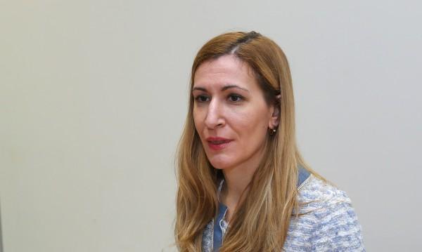Ангелкова отвратена от снимките с премиера