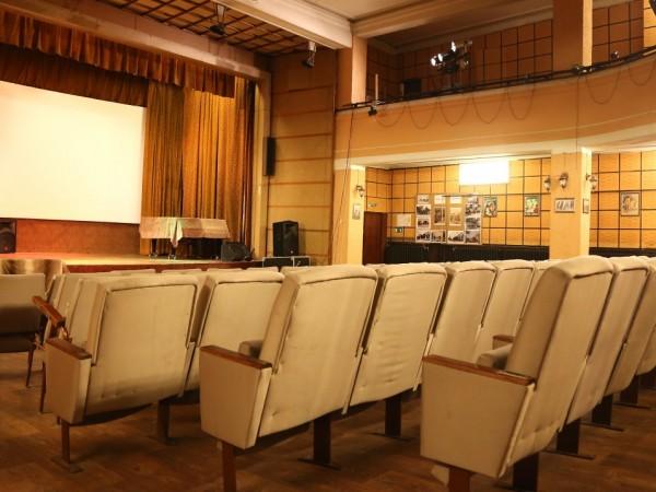 Най-голямата верига кина в САЩ, AMC Theatres, ще отвори по-голямата
