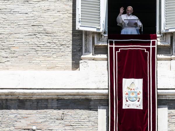 Папа Франциск насърчи народните движения за опазване на околната среда,