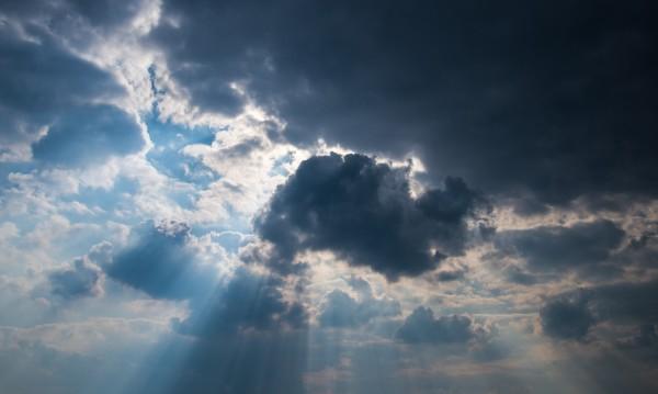Времето днес: Слънчево преди обяд, следобед на места валежи