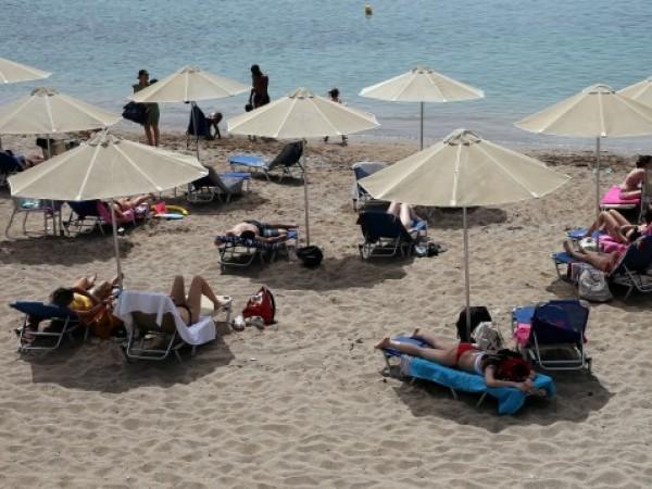 Лятото вече е тук, но тази година туристическият сезон закъсня