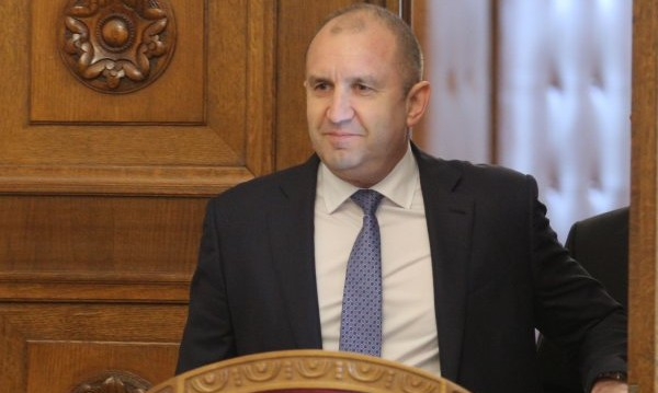 Радев обвини: Прокуратурата дава тон за погазване на закона