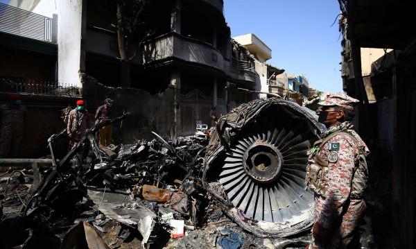 Човешка грешка довела до самолетна катастрофа в Пакистан