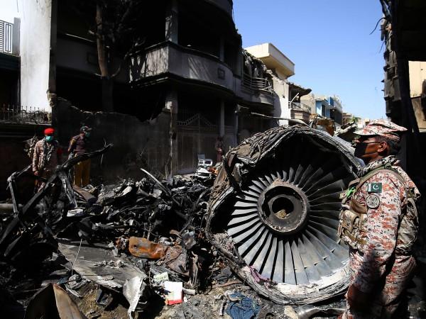 Самолетната катастрофа в Пакистан, която миналия месец взе 97 жертви,