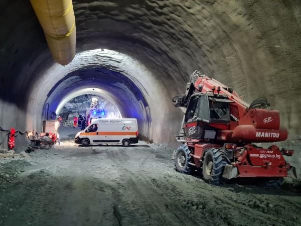 """Няма нарушения при работата по тунел """"Железница"""" на АМ """"Струма"""","""