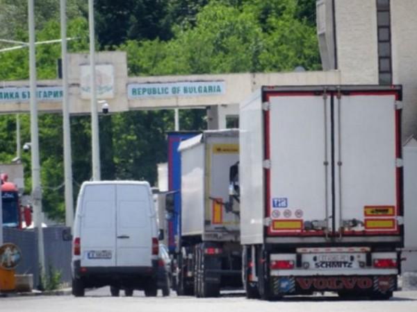 """На ГКПП """"Кулата""""- на границата ни с Гърция, трафикът е"""