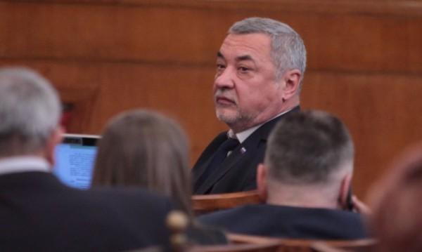 """Симеонов: Баровете по Южното Черноморие се """"пукаха по шевоте"""""""