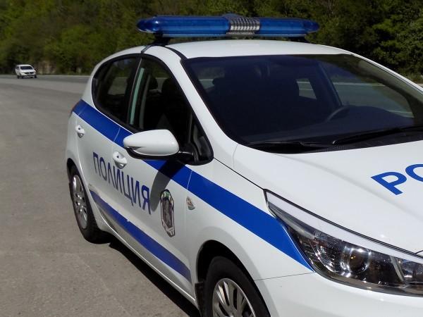 Полицията в Хасково иззела 1843 артикула с лого на защитени