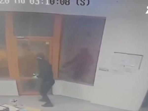 Полицията в Пазарджик е задържала двама мъже, ограбили бензиностанция в