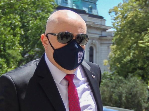 """""""Чистим България от бизнесмени, които замърсяват. Чистим България от хора,"""