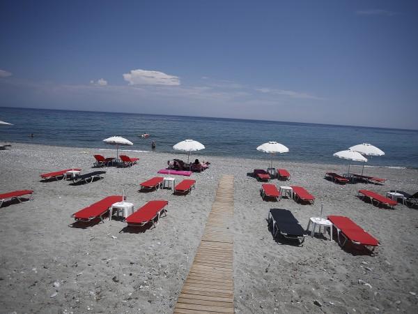 Гърция отваря границите си за туристи от началото на юли,