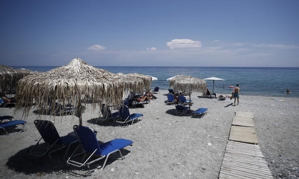 Гърция отчита над 30% спад на туристите