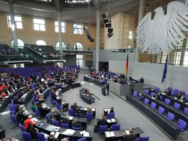Бундестагът одобри втората актуализация на бюджета, която отчита разходите, направени