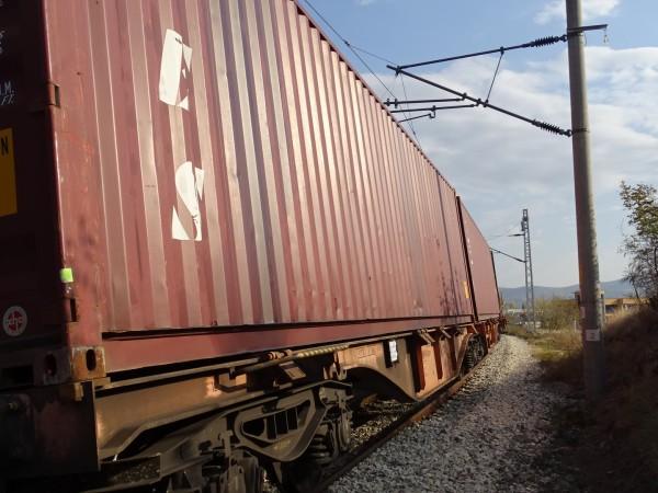 78-годишен мъж е пострадал при катастрофа между влак и лек