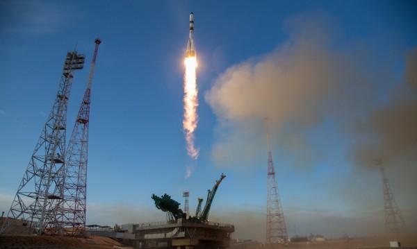 Русия се закани: Ще извежда туристи в Космоса през 2023 година