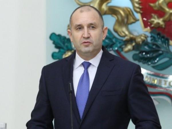 При мен няма никакви злоупотреби, категорично заяви президентът Румен Радев.На