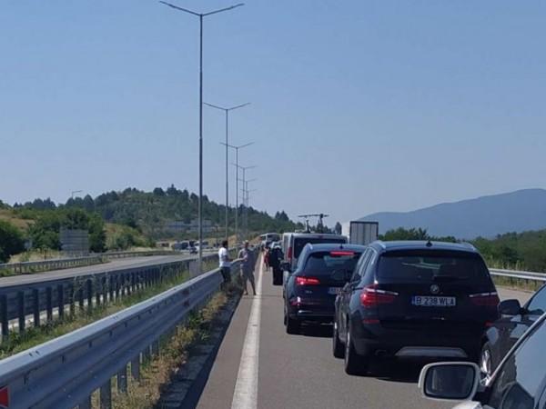 """Преминаването през ГКПП """"Кулата"""" в посока към Гърция се облекчи"""
