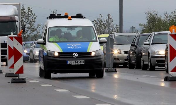 """8442-ма шофьори със солени глоби по неравен участък на АМ """"Тракия"""""""