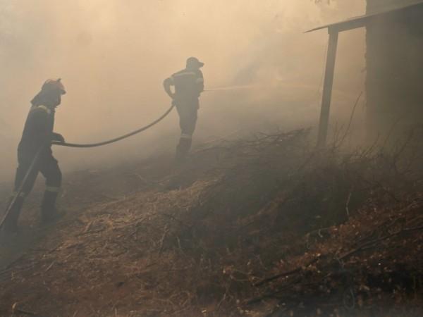 Продължава гасенето на пожара в регионалното депо за отпадъци край