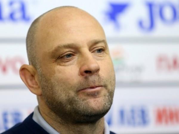 Баскетболният треньор Константин Папазов коментира отново нарушенията си на пътя.
