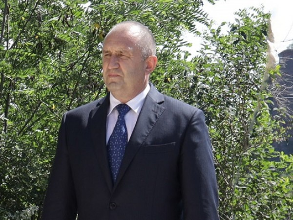 """Президентът Румен Радев посети националната спортна база """"Белмекен"""" и се"""