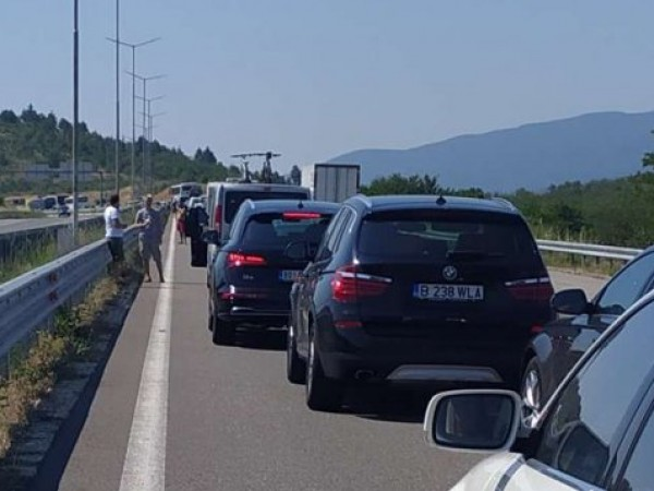 """На ГКПП """"Кулата"""" на изход от България към Гърция трафикът"""