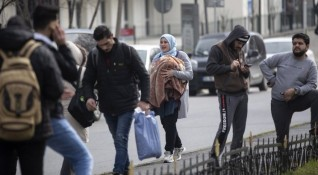 Спипаха над 50 нелегални мигранти край Любимец