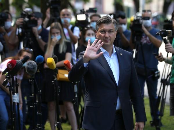 Консервативната партия Хърватска демократична общност (ХДО) на премиера Андрей Пленкович