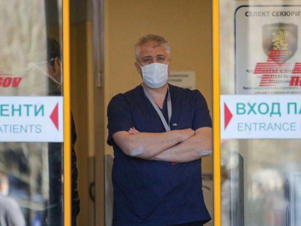 Очаква се по-лош сценарий с коронавируса, смята изпълнителният директор на