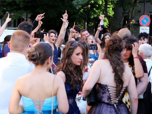 След бал на частна гимназия във Велико Търново, 60% от
