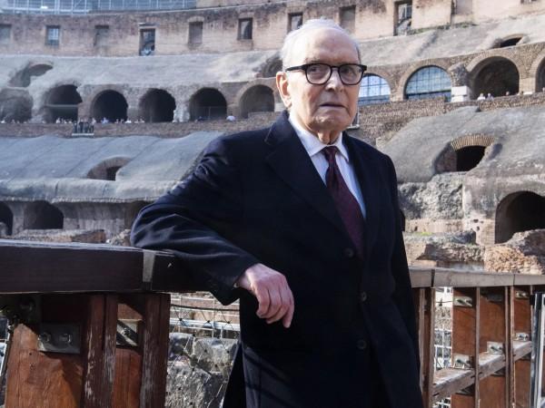 На 91 години почина италианският композитор Енио Мориконе, известен със