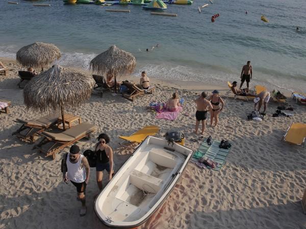 Забраната за влизане на сръбски туристи в Гърция е сериозен