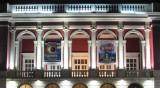 Пламна покривът на операта в Русе