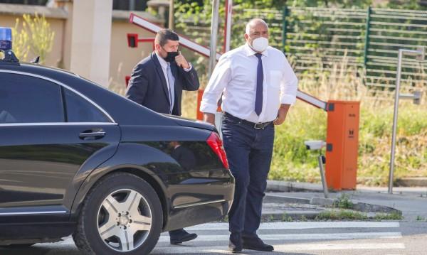 Борисов считал Бобоков за почтен, комуникацията била според закона
